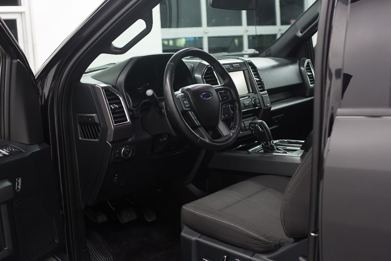 2015 FORD F150 SuperCrew 4WD full