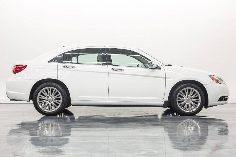 2012 Chrysler 200 Limited full