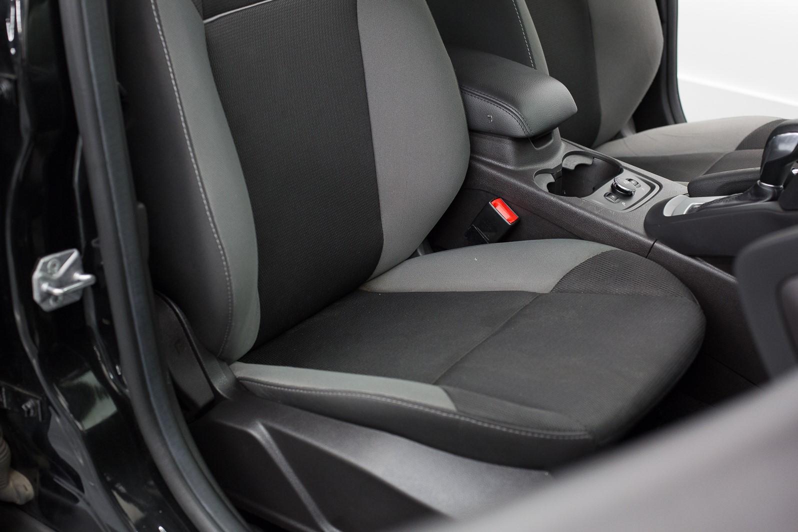 2014 Ford Focus Hatchback SE full
