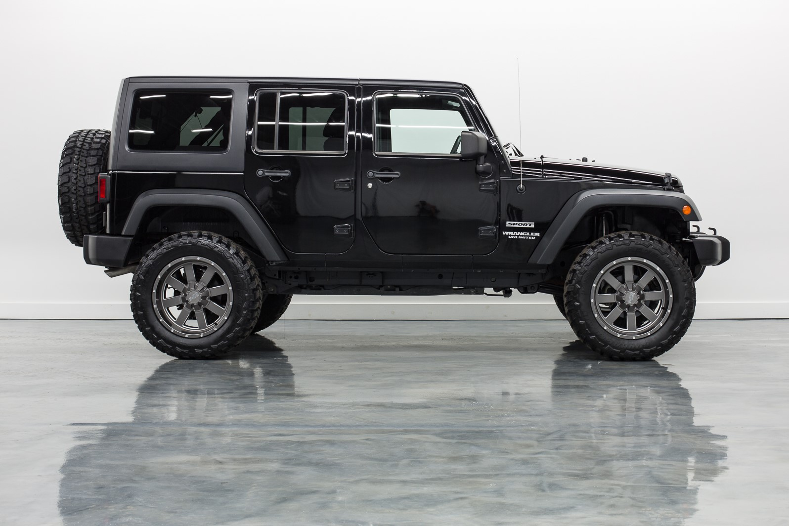 looking for used jeeps for sale in illinois ultimate rides. Black Bedroom Furniture Sets. Home Design Ideas